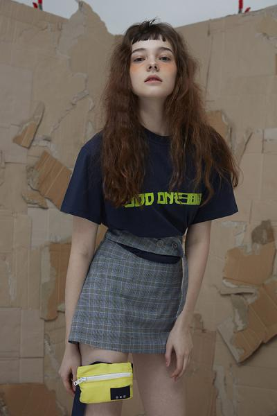<SALE>【ODD ONE OUT】 LOGO TEE