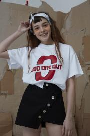 <SALE>【ODD ONE OUT】 BIG LOGO TEE